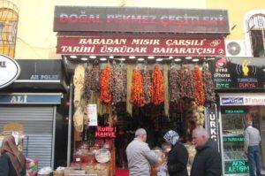 cosa vedere a Istanbul mercato di uskudar