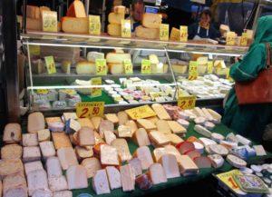 cosa vedere ad amsterdam bancarella formaggi