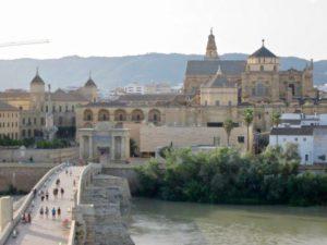 cordoba cosa vedere se non il panorama della città dall'alto della torre calahorra