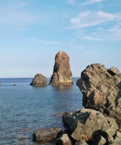Cosa vedere a Catania Acitrezza e i faraglioni del gigante polifemo