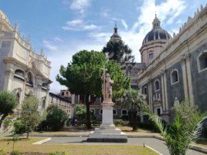 cosa vedere a Catania la piazza del Duomo