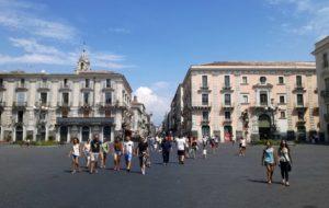 cosa vedere a Catania la via etnea dal duomo fino a villa bellini