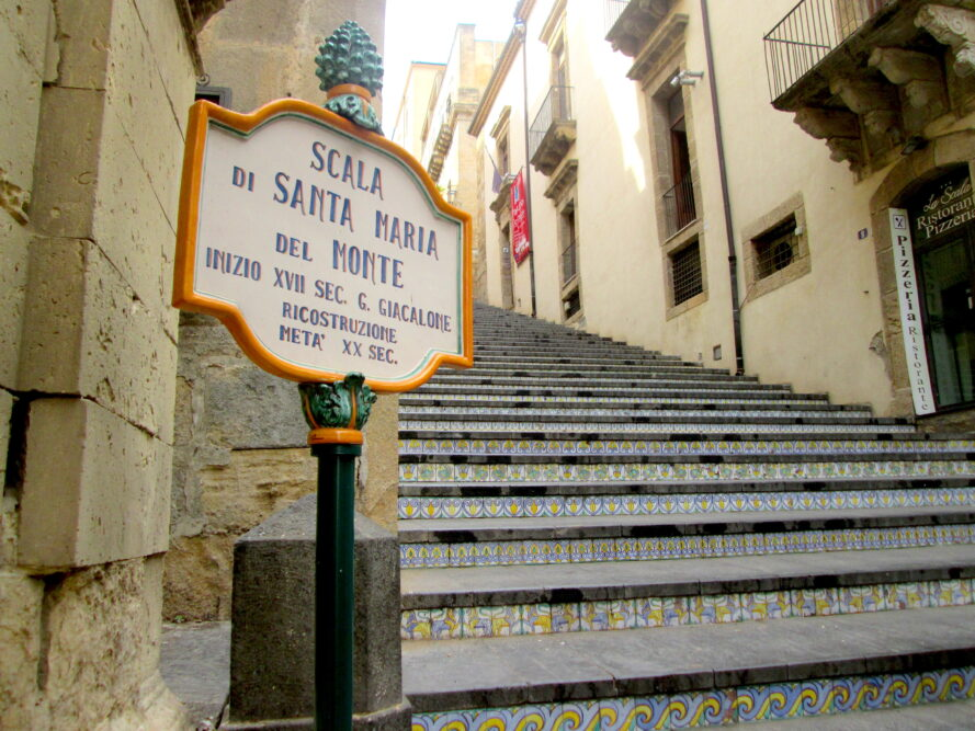 Caltagirone si trova nei dintorni di Catania