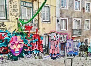 street art a lisbona alfama