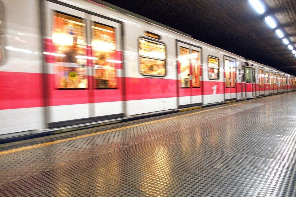 metro-956289_1280