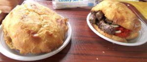 Cevapcici sono salsicce tipiche della cucina balcanica