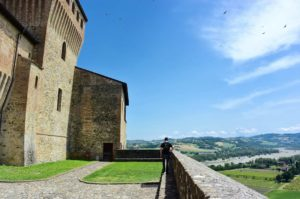 Borghi Emilia Romagna Torrechiara castello esterno