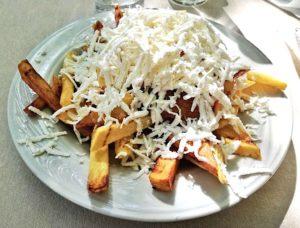 cucina bulgara patatine e formaggio