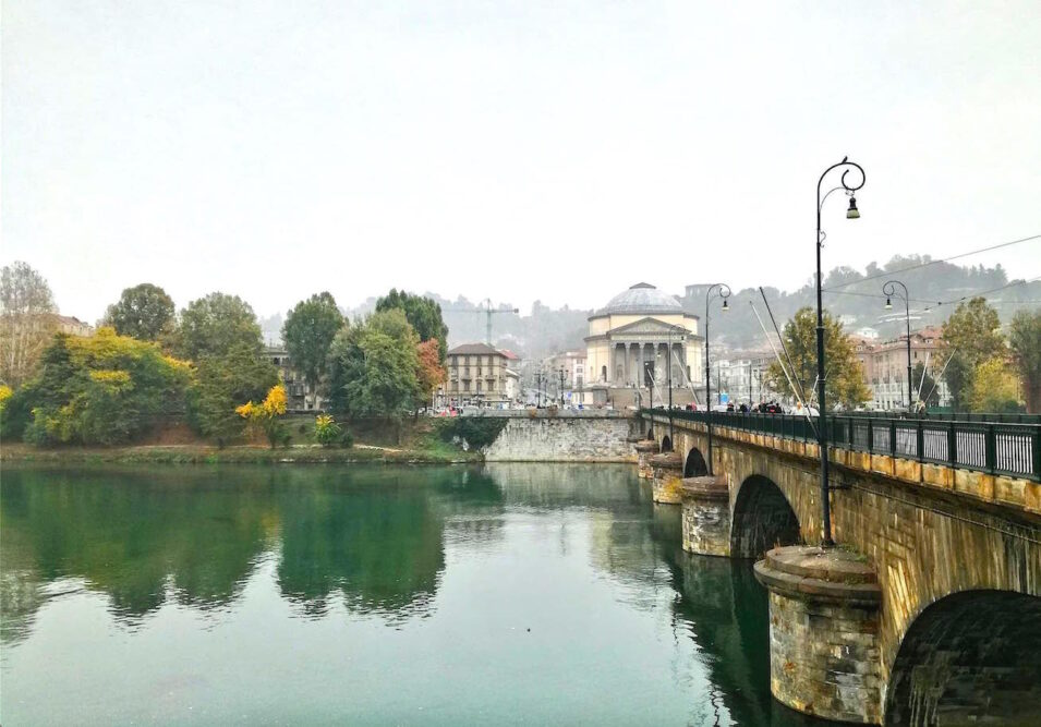 Autumn in Turin al fiume