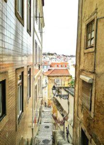 Visitare Lisbona e le calcadas di Alfama