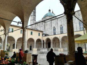 Ascoli Piceno cosa vedere chiostro maggiore san francesco