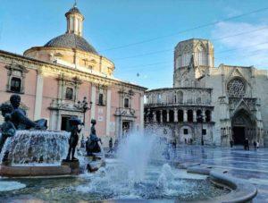 Cosa vedere a Valencia plaza de la virgen