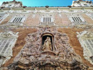 cosa vedere a Valencia la facciata del museo della ceramica