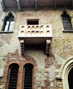 Visitare Verona e fotografare la casa e il balcone di Giulietta