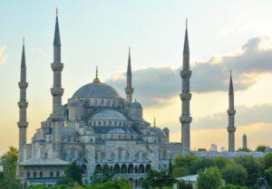 cosa vedere a istanbul la moschea blu da lontano