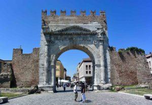 Cosa vedere a Rimini Arco d'Augusto