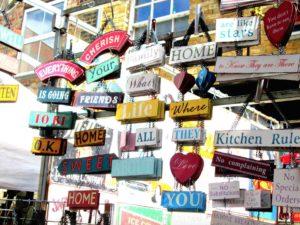 Tra le cose da vedere a Londra c'è il mercato vintage di Brick Lane