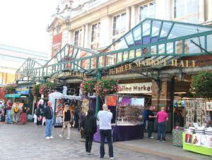 Tra le cose da vedere a Londra c'è jubilee market