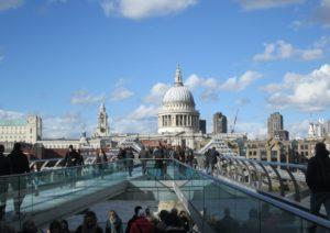 Tra le cose da vedere a Londra c'è millenium bridge