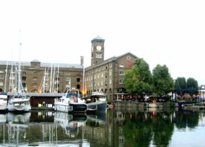 Tra le cose da vedere a Londra c'è st. katherine docks
