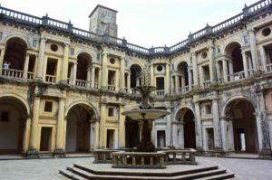 viaggio in Portogallo Tomar Castello chiostro