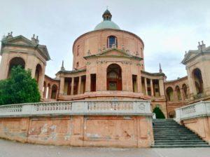 Tra le cose da vedere a Bologna c'è sicuramente la basilica di San Luca sui colli