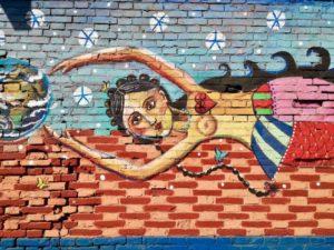 tra le cose da vedere a Bologna poco note c'è il ponte di via stalingrado pieno di murales