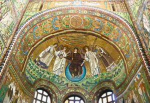 tra i mosaici più belli di ravenna ci sono quelli di san vitale