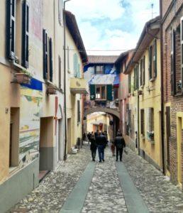 cosa vedere in Emilia-Romagna Dozza il borgo dei murales