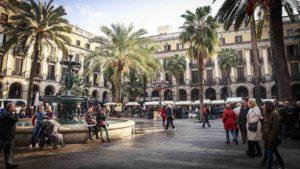 Cosa vedere a Barcellona Placa Reial