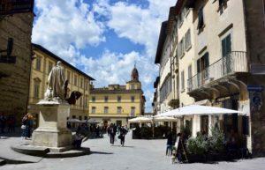 Cosa vedere ad Arezzo Piazza San Francesco
