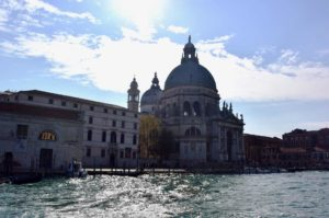 Gita sul Canal Grande a Venezia in vaporetto