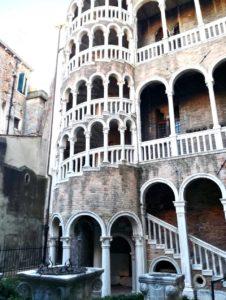 Scala Contarini del Bovolo tra le cose da vedere a Venezia in un giorno