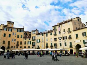 weekend romantico in italia a lucca