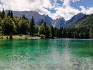 weekend romantico in italia ai laghi di fusine