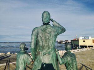 cosa vedere a Cesenatico il monumento alle spose dei marinai