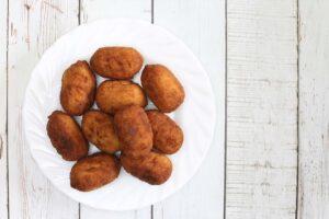 croquetas tra i migliori piatti spagnoli